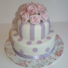 Lilac vintage wedding cake.JPG